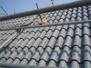 屋根瓦の葺き替え前