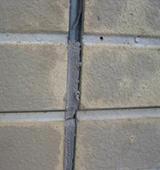 サイデイング壁つなぎ目シーリングの劣化、割れ、壁の退色